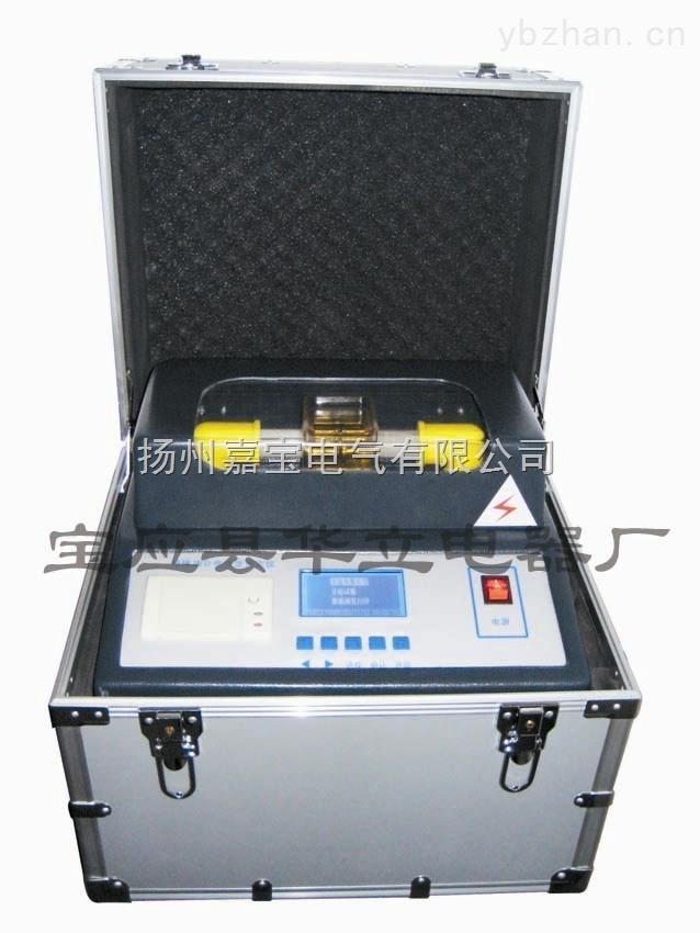 产品特性:  采用微处理器,自动完成升压、保持、搅拌、静放、计算、打印等操作,可在0~80KV范围内进行油循环耐压试验。  JLSYQ-B全自动绝缘油耐压测试仪大屏幕液晶显示,汉字菜单提示。  本仪器操作简单,操作人员只需进行简单的设置,仪器将会按照设定自动完成1杯油样的耐压试验。1~6次的击穿电压值和轮回次数会自动存储,试验完成后,热敏打印机可打印出各次击穿电压值和平均值。  掉电保持,可存储100个实验结果,并可显示当前环境温度和湿度。  采用单片机控制进行匀速升压,电压频率准确到50HZ,使