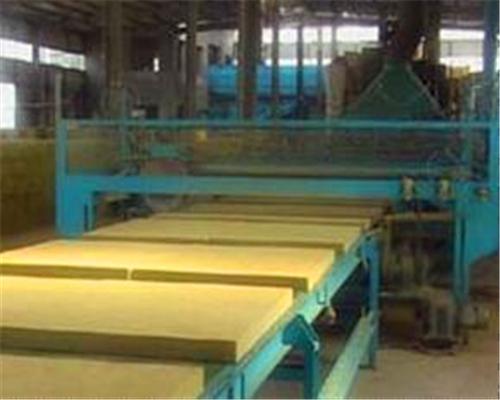 墙面玻璃棉钢结构施工车间